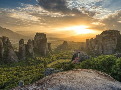 Private All Day Meteora Photo Tour from Athens by train