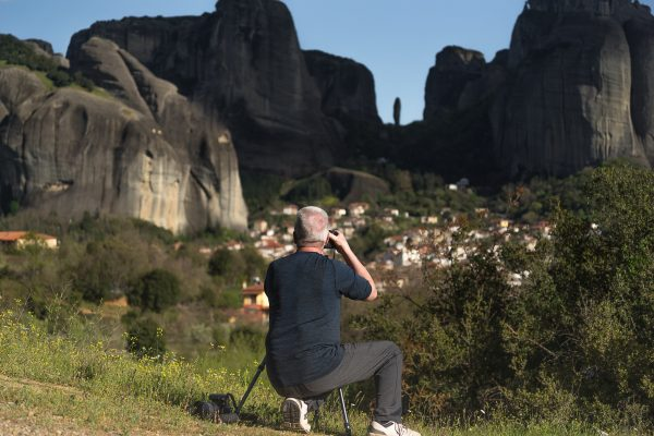 Photographing the Meteora Rocks and the village of Kastraki