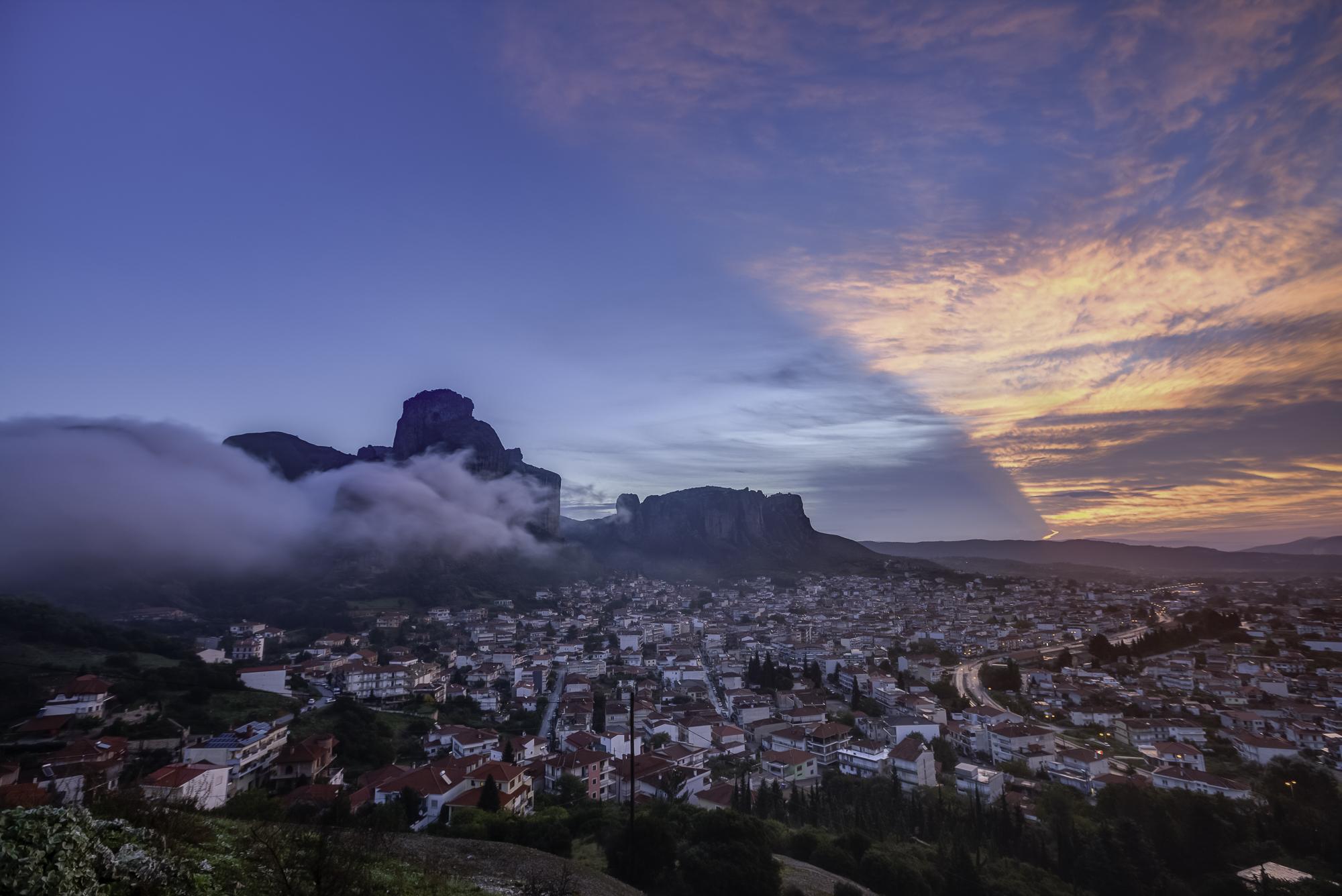Golden Sunrise Meteora Photo Tour – Meteora Photo Tour