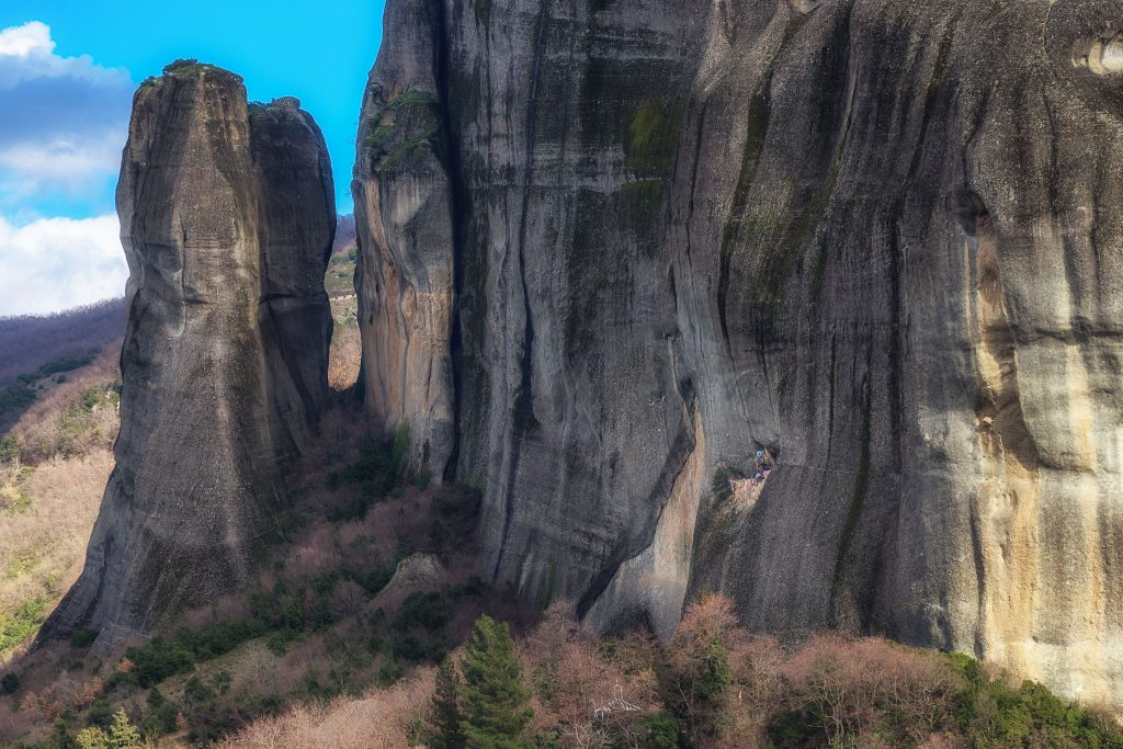 The huge rocks of Meteora and the Saint George of Mantilas cave