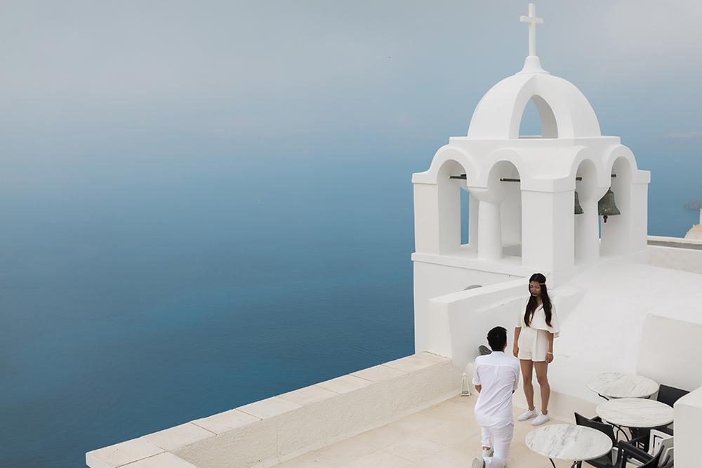 Surprise proposal on Santorini island