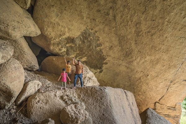 Family photo shooting inside a Meteora cave