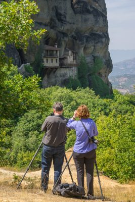 Walking to the Ypapanti Monastery of Meteora