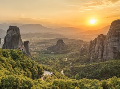 Private 2 Day Meteora Photo Tour from Athens by train