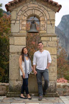 Couple photo shooting next to the monatery of Meteora