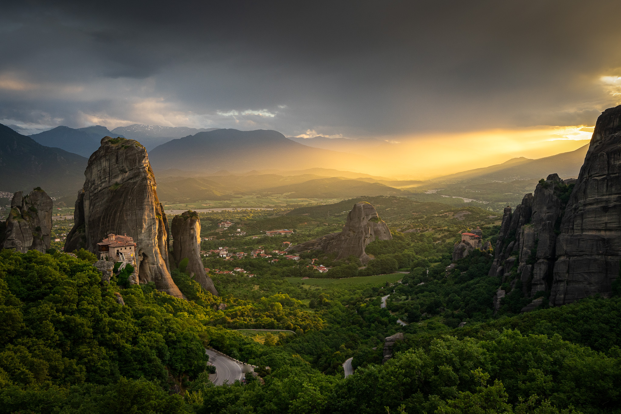 Dimming light, when the sun sets down on Meteora